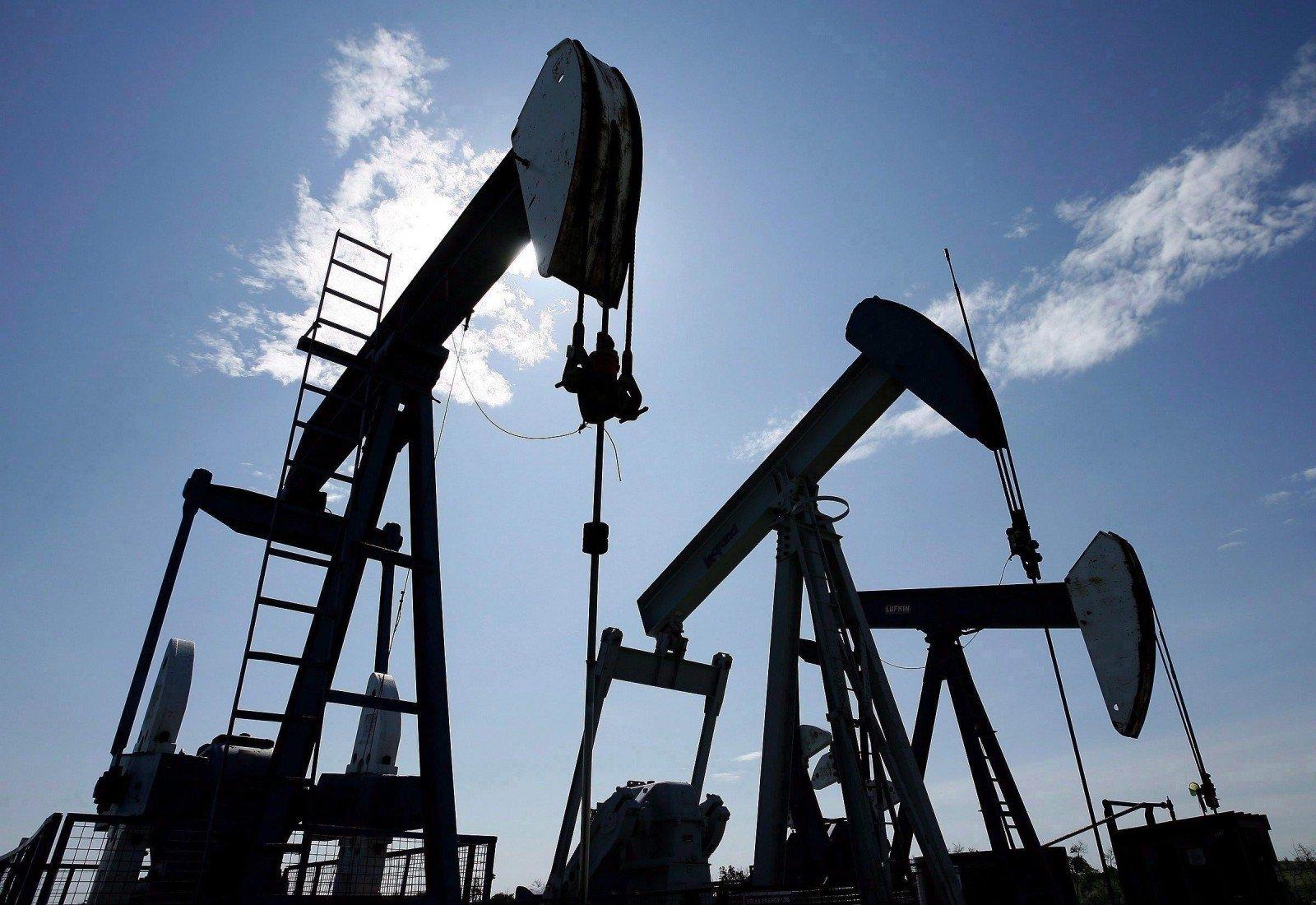 naftos ateities prekybos sistemos dvejetainio pasirinkimo skambutis ir įdėti