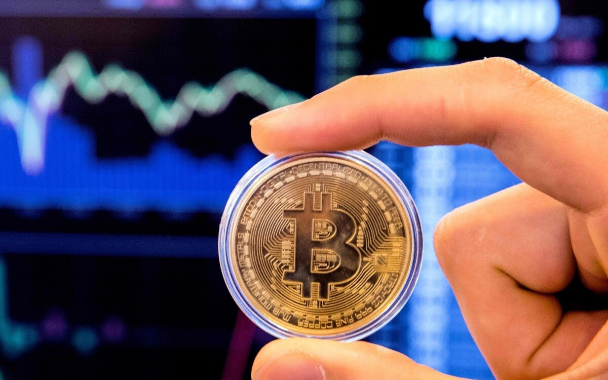 Bitkoinų įsigyti siūlo ir per spaudos kioskus - Verslo žinios