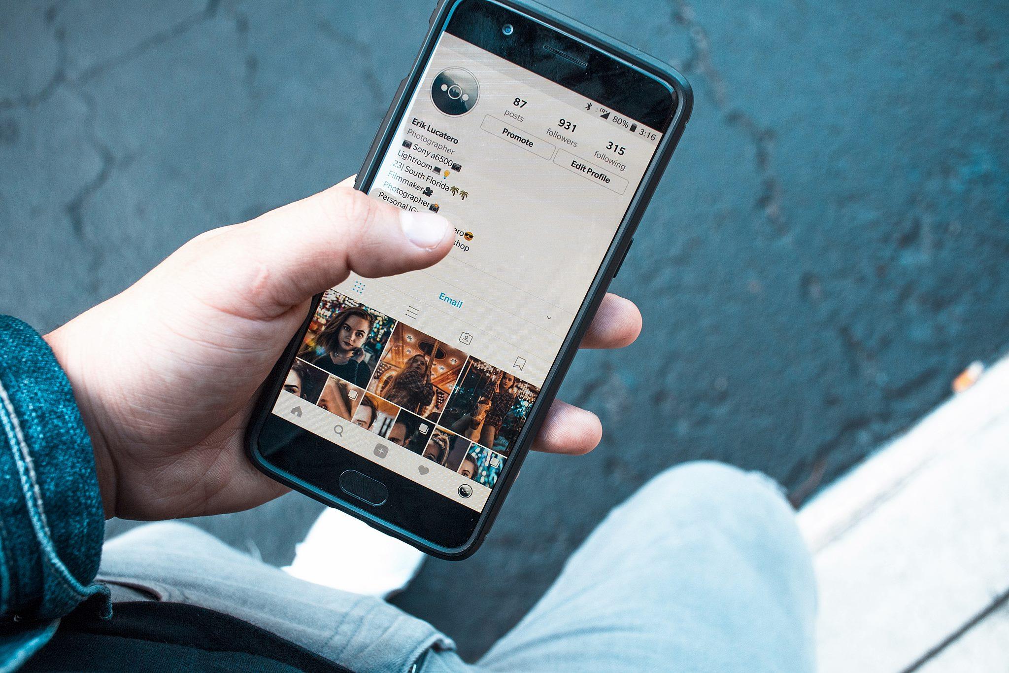 """Kas pirmesnis – tas... Lietuvoje prasidėjo prekyba """"iPhone 11"""" serijos telefonais"""