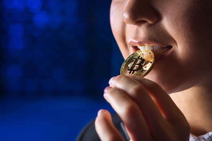 Bitcoin investavimo apžvalgos užsidirbti pinigų su bitcoin didžiausios kriptovaliutų investicijos