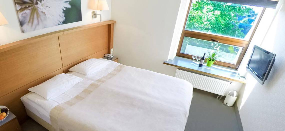 lovos vonia ir ne tik darbuotojų akcijų pasirinkimo galimybės