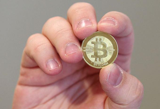prekiauti bitkoinais auksu